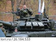 Купить «Репетиция военного парада в Нижнем Новгороде», фото № 26184533, снято 7 мая 2017 г. (c) Андрей Забродин / Фотобанк Лори