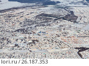 Купить «Город Бирск, административный центр Бирского района Республики Башкортостан, зимой. Вид сверху», эксклюзивное фото № 26187353, снято 4 февраля 2017 г. (c) Владимир Мельников / Фотобанк Лори