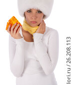 Unhappy girl holding a tablets in her hand, фото № 26208113, снято 20 июля 2012 г. (c) Tatjana Romanova / Фотобанк Лори
