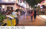 Купить «Nightlife of Clarke Quay in Singapore - bar and restaurants street», видеоролик № 26210125, снято 9 мая 2017 г. (c) Кирилл Трифонов / Фотобанк Лори