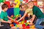 Break school of children playing in kids cubes indoor., фото № 26271149, снято 25 марта 2017 г. (c) Gennadiy Poznyakov / Фотобанк Лори