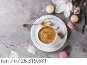 Cup of black coffee with magnolia. Стоковое фото, фотограф Natasha Breen / Фотобанк Лори