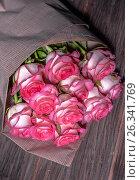 Beautiful fresh pink roses. heap of pink and white fresh roses. Стоковое фото, фотограф Nunik Varderesyan / Фотобанк Лори