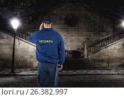 Купить «security guard guarding the park at night», фото № 26382997, снято 16 ноября 2019 г. (c) Wavebreak Media / Фотобанк Лори