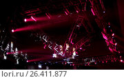 Купить «Stage Lighting at ceiling of night club during rock concert», видеоролик № 26411877, снято 10 декабря 2018 г. (c) Константин Шишкин / Фотобанк Лори