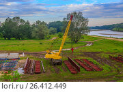 The crane on a building site (2017 год). Редакционное фото, фотограф Бронислав Богачевский / Фотобанк Лори