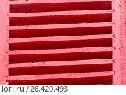 Купить «Старые деревянные ставни красного цвета», фото № 26420493, снято 22 января 2019 г. (c) severe / Фотобанк Лори