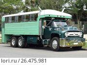 Купить «Вахтовый автобус Ford f800 big job», фото № 26475981, снято 27 мая 2017 г. (c) Виктор Юрасов / Фотобанк Лори