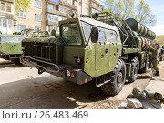 Купить «Russian anti-aircraft missile system (SAM) S-300 parked up on the city street», фото № 26483469, снято 7 мая 2017 г. (c) FotograFF / Фотобанк Лори