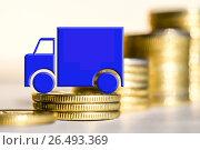 Купить «Грузовой автомобиль на фоне денег», фото № 26493369, снято 12 февраля 2016 г. (c) Сергеев Валерий / Фотобанк Лори