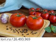 Спелые томаты. Стоковое фото, фотограф Александр Палехов / Фотобанк Лори