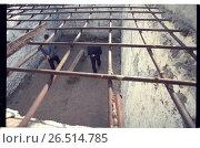 Тюрьма. Прогулка заключенных. Редакционное фото, фотограф Борис Кавашкин / Фотобанк Лори