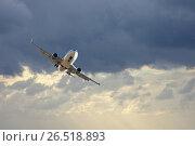 White jet in cloudy sky. Стоковое фото, фотограф Яков Филимонов / Фотобанк Лори