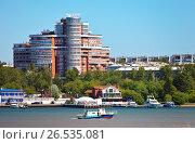 Купить «Иркутск. Пристань лодочной станции на реке Ангаре», фото № 26535081, снято 12 июня 2017 г. (c) Виктория Катьянова / Фотобанк Лори