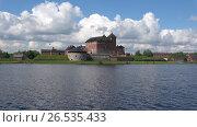 Купить «Вид на замок Хяме облачным июньским днем. Хамеенлинна, Финляндия. View of the castle of Häme cloud day in June. Hameenlinna, Finland», видеоролик № 26535433, снято 9 июня 2017 г. (c) Виктор Карасев / Фотобанк Лори