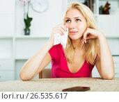 Купить «Girl crying with phone», фото № 26535617, снято 16 октября 2018 г. (c) Яков Филимонов / Фотобанк Лори
