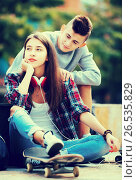 Купить «Phubbing: teenager ignore her friend», фото № 26535829, снято 25 марта 2019 г. (c) Яков Филимонов / Фотобанк Лори