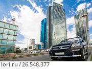 Купить «Казахстан. Астана. Деловой квартал в центре города», фото № 26548377, снято 10 июня 2017 г. (c) Сергеев Валерий / Фотобанк Лори