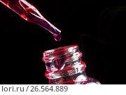 Купить «Bottle and pipette with liquid for electronic cigarettes», фото № 26564889, снято 20 апреля 2017 г. (c) Сергей Лабутин / Фотобанк Лори