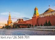 Купить «Москва. Красная Площадь. Мавзолей Ленина. Lenin's Mausoleum in Moscow», фото № 26569701, снято 26 мая 2017 г. (c) Baturina Yuliya / Фотобанк Лори