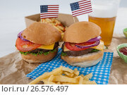 Hamburgers decorated with 4th july theme. Стоковое фото, агентство Wavebreak Media / Фотобанк Лори