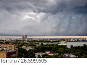 Купить «Москва, грозовые тучи над городом», фото № 26599605, снято 30 июня 2017 г. (c) glokaya_kuzdra / Фотобанк Лори