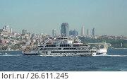 Купить «View of Bosphorus and passengers ships», видеоролик № 26611245, снято 22 июня 2017 г. (c) Илья Насакин / Фотобанк Лори