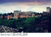 twilight view of the Nazaries palaces of Alhambra. Granada (2016 год). Стоковое фото, фотограф Яков Филимонов / Фотобанк Лори