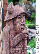 Купить «Деревянный идол», фото № 26642181, снято 17 июня 2017 г. (c) Акиньшин Владимир / Фотобанк Лори
