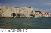 Купить «View of coastal village Collioure at south of France at spring day», видеоролик № 26659117, снято 15 мая 2017 г. (c) Яков Филимонов / Фотобанк Лори