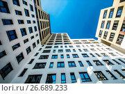 Красивый фасад нового многоэтажного жилого дома. Стоковое фото, фотограф Сергеев Валерий / Фотобанк Лори