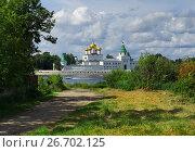 Купить «Russia, Kostroma city, Ipatievsky monastery», фото № 26702125, снято 30 июля 2015 г. (c) ElenArt / Фотобанк Лори