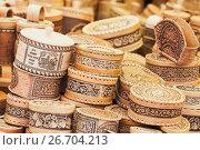 Assortment of Russian caskets of birch bark (2016 год). Редакционное фото, фотограф EugeneSergeev / Фотобанк Лори