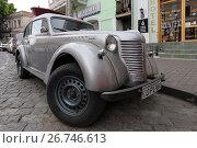 Купить «Ретроавтомобиль Opel Olimpia на улице города Тбилиси. Грузия», эксклюзивное фото № 26746613, снято 13 июля 2017 г. (c) Алексей Гусев / Фотобанк Лори