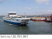 """Купить «Паром """"Протопорос 4"""" прибыл в порт Кавказ», фото № 26761961, снято 18 июля 2017 г. (c) Николай Мухорин / Фотобанк Лори"""
