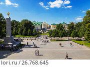 Вид сверху на Александровский сад, Москва, Россия, фото № 26768645, снято 16 августа 2017 г. (c) Наталья Волкова / Фотобанк Лори