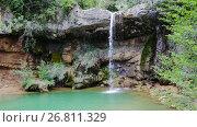 Купить «El Torrent de la Cabana small mountain stream with crystal clear water», видеоролик № 26811329, снято 16 мая 2017 г. (c) Яков Филимонов / Фотобанк Лори