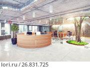 Купить «modern loft office», фото № 26831725, снято 26 февраля 2020 г. (c) Виктор Застольский / Фотобанк Лори