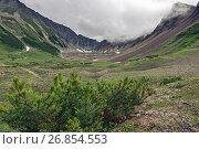 Камчатские горы в пасмурную погоду (2016 год). Стоковое фото, фотограф А. А. Пирагис / Фотобанк Лори