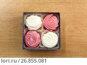 Купить «zephyr or marshmallow dessert in gift box», фото № 26855081, снято 8 мая 2017 г. (c) Syda Productions / Фотобанк Лори