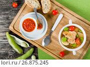 Купить «Braised chicken things with new potatoes, tomatoes and  lima beans», фото № 26875245, снято 22 июля 2019 г. (c) Oksana Zh / Фотобанк Лори