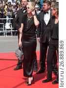 Купить «69th Cannes Film Festival - 'American Honey' - Premiere Featuring: Kristen Stewart Where: Cannes, France When: 15 May 2016 Credit: WENN.com», фото № 26889869, снято 15 мая 2016 г. (c) age Fotostock / Фотобанк Лори