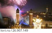 Купить «General view on Placa Espana in Barcelona during New Year celebrations», видеоролик № 26907149, снято 9 января 2017 г. (c) Яков Филимонов / Фотобанк Лори