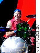 Купить «Rock on the Range 2016 Music Festival at MAPFRE Stadium in Columbus, OH, USA Featuring: Red Hot Chili Peppers Where: Columbus, Ohio, United States When: 22 May 2016 Credit: C.M. Wiggins/WENN.com», фото № 26921297, снято 22 мая 2016 г. (c) age Fotostock / Фотобанк Лори