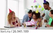 Купить «team greeting colleague at office birthday party», видеоролик № 26941189, снято 6 сентября 2017 г. (c) Syda Productions / Фотобанк Лори