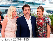 Купить «Photo call for 'The Last Face' during the 69th Cannes Film Festival Featuring: Charlize Theron, Javier Bardem, Adele Exarchopoulos Where: Cannes, France When: 20 May 2016 Credit: WENN.com», фото № 26944185, снято 20 мая 2016 г. (c) age Fotostock / Фотобанк Лори