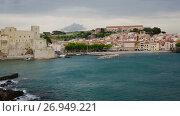 Купить «View of coastal village Collioure at south of France at spring day», видеоролик № 26949221, снято 15 мая 2017 г. (c) Яков Филимонов / Фотобанк Лори