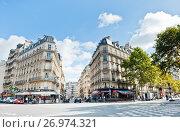 Ранняя осень. Городской пейзаж. Париж. Франция (2017 год). Редакционное фото, фотограф E. O. / Фотобанк Лори