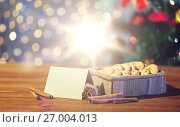 Купить «close up of christmas oat cookies on wooden table», фото № 27004013, снято 1 октября 2015 г. (c) Syda Productions / Фотобанк Лори