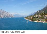 Купить «Озеро Гарда. Мальчезине. Италия», фото № 27010921, снято 5 сентября 2017 г. (c) Сергей Афанасьев / Фотобанк Лори